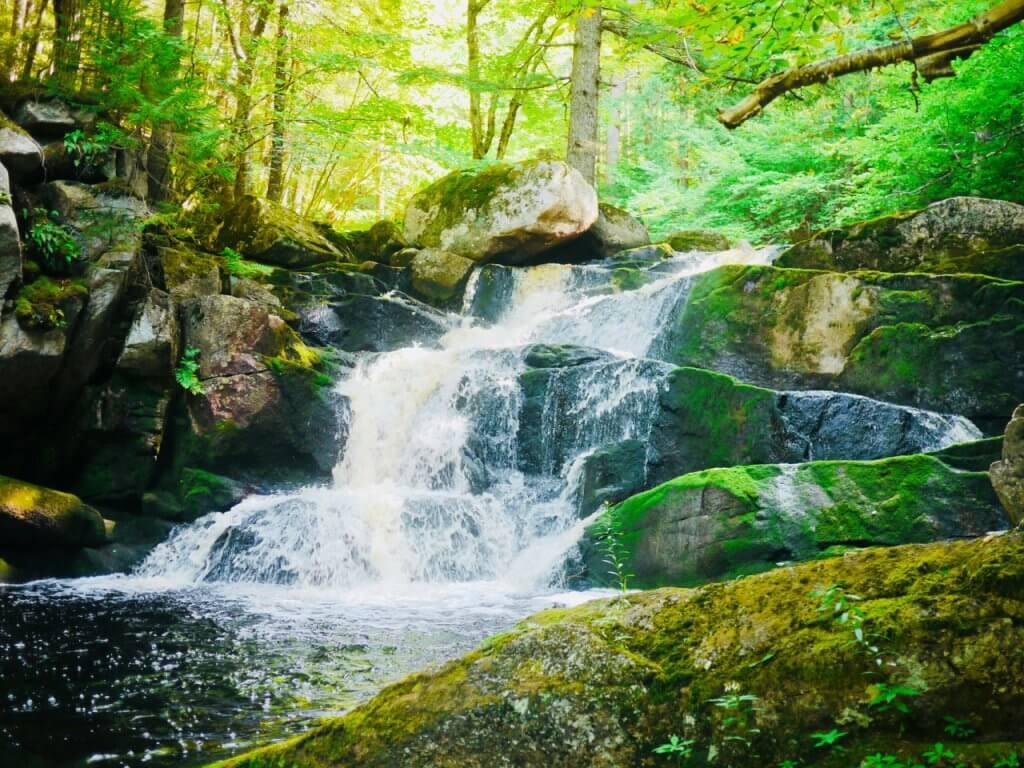 Waterfall dips